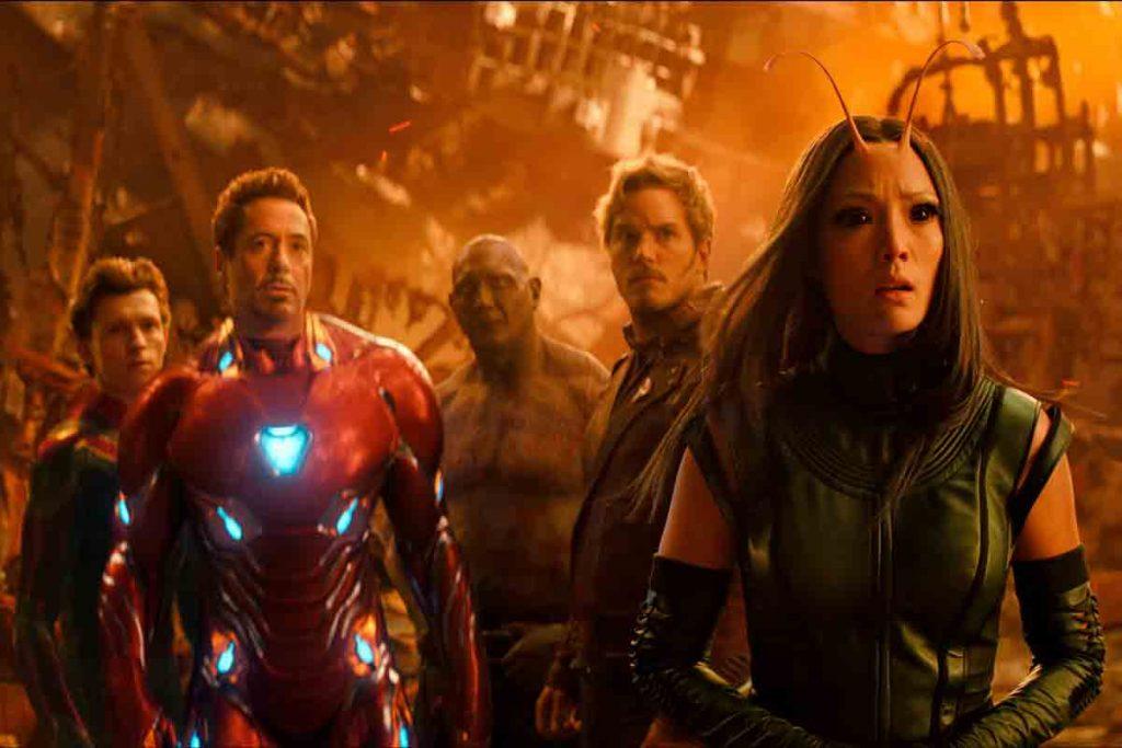Infinity War avengers in war scene