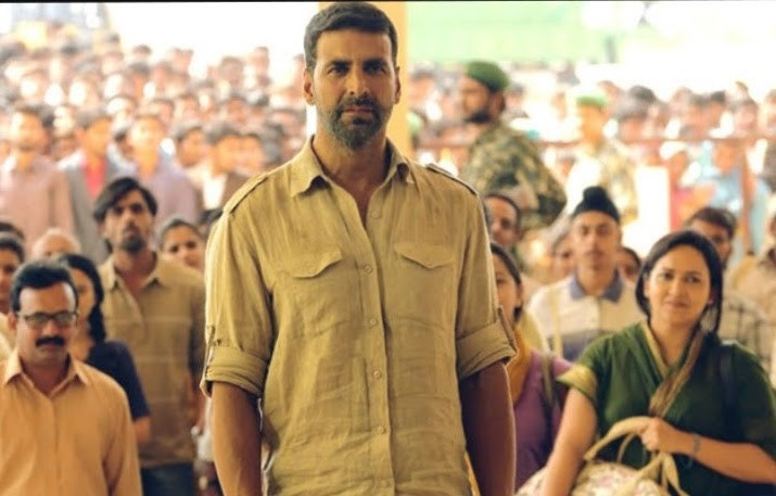a scene from the movie airlift