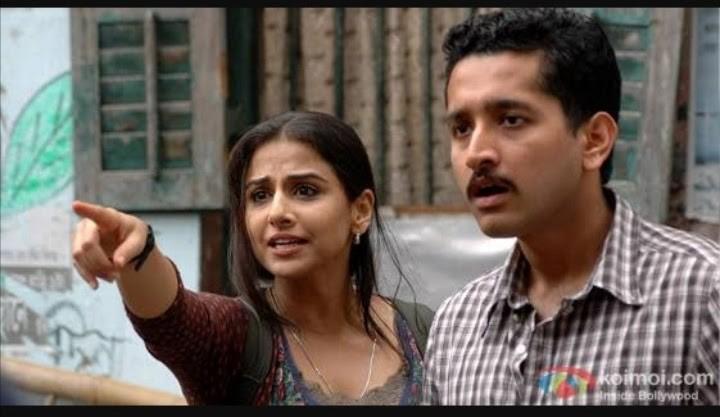 vidya balan pointing in a movie scene from kahaani
