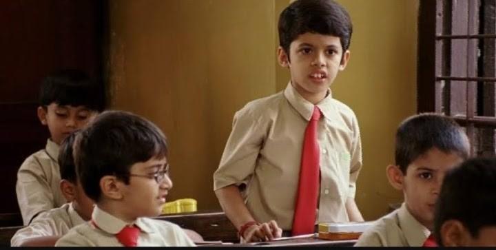 darsheel standing in classroom in movie taare zameen par