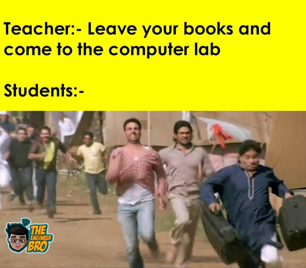 akshay kumar and sunil shetty running in hera pheri meme