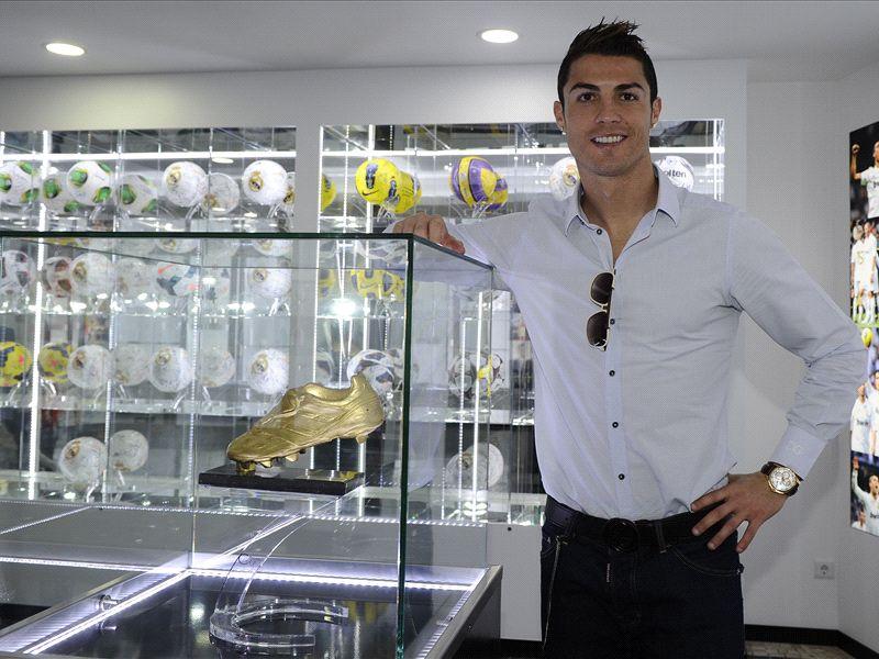 ronaldo in his trophy museum
