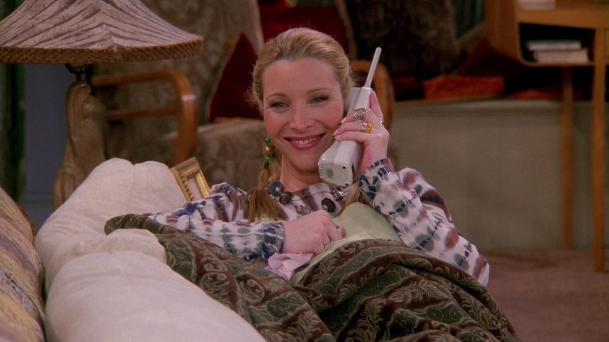 phoebe on call during ross wedding