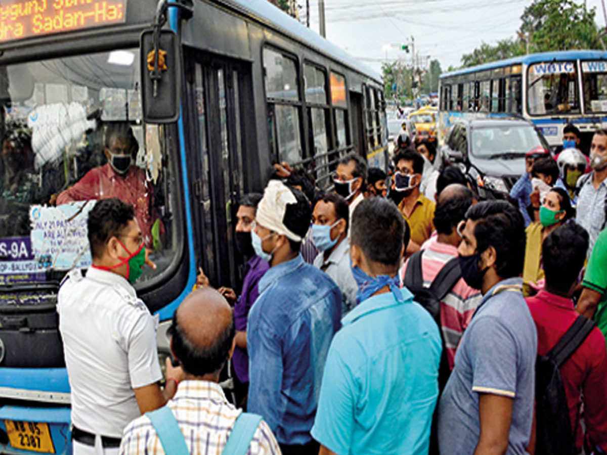 social distancing violated while boarding buses