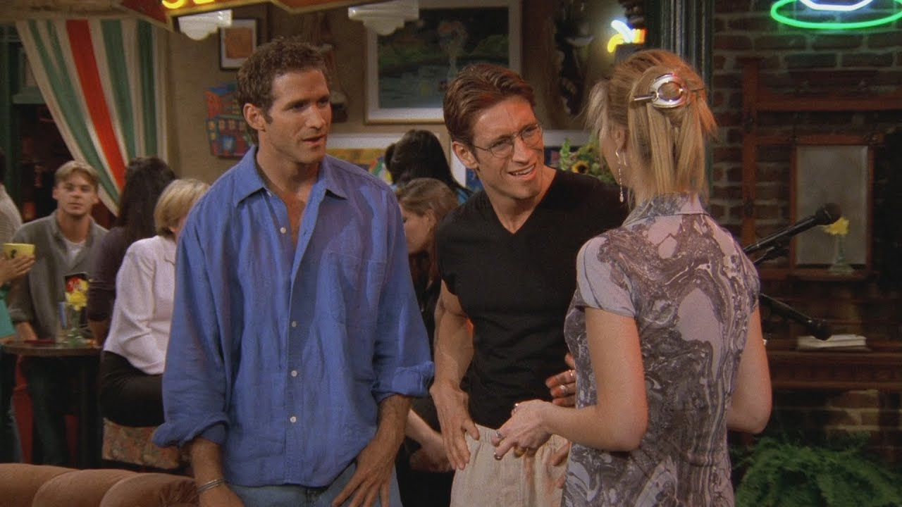 phoebe with her dates in central perk