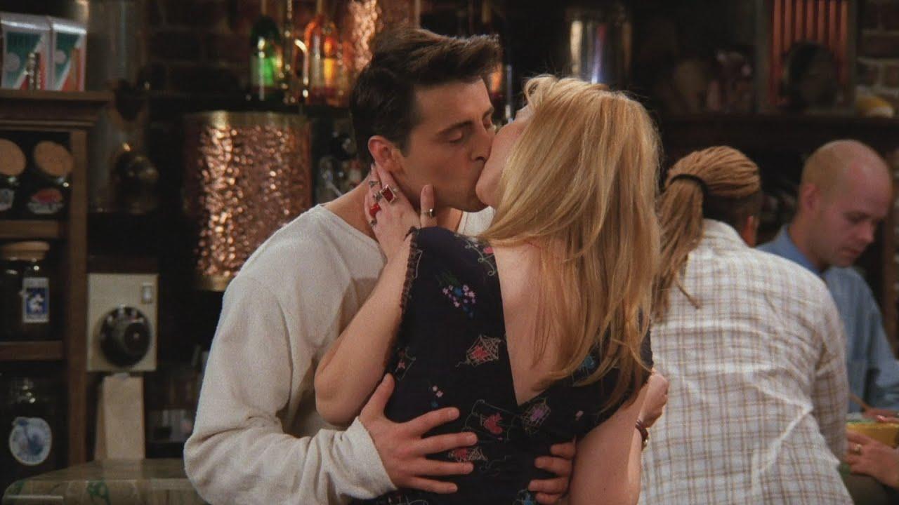 phoebe kissing joey