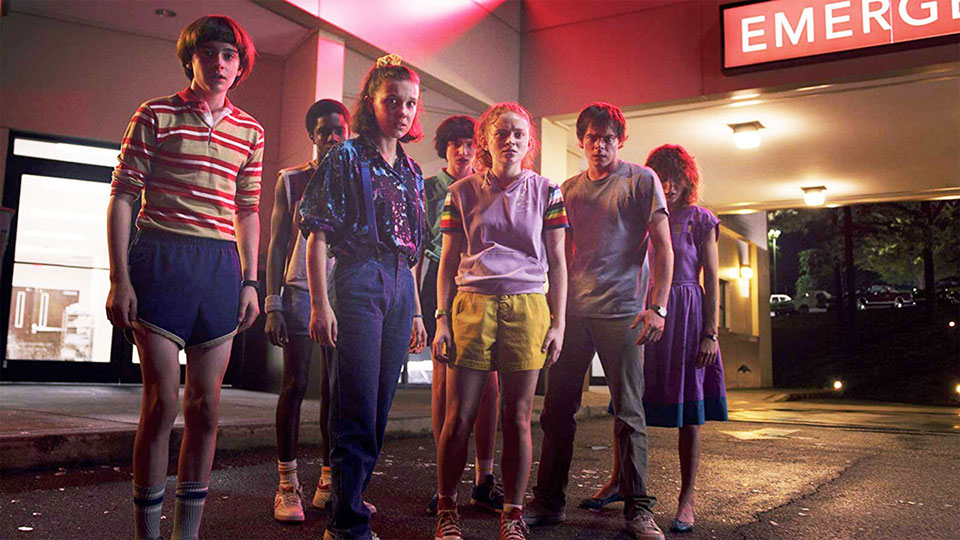 stranger things kids wearing old 80s clothes