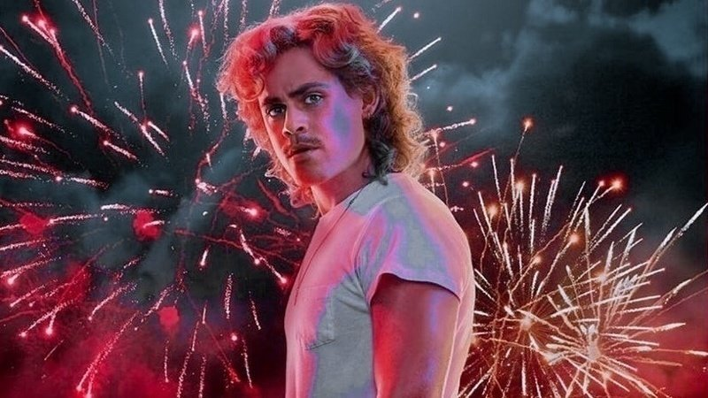 Dacre Montgomery in stranger things had to put on weight