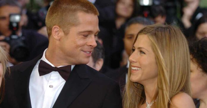 jennifer is back with brad pitt in a live show