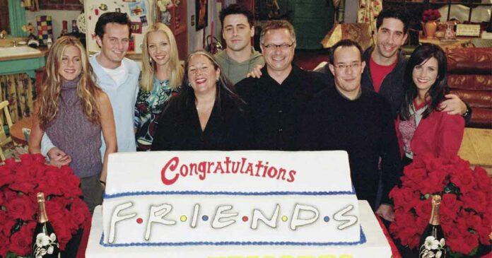 friends cast celebrating anniversary