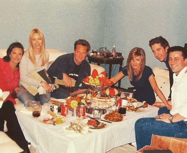 friends-cast-dinner