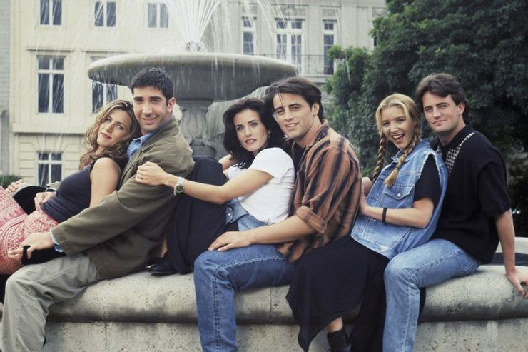 jennifer-aniston-friends-fountain