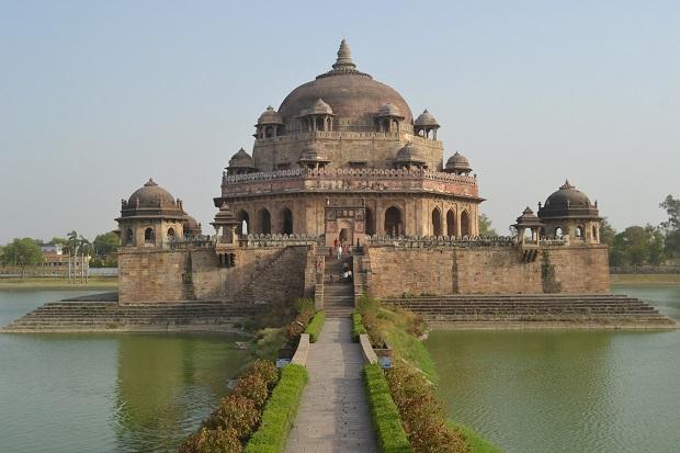 Tomb-of-Sher-Shah-Suri-Bihar