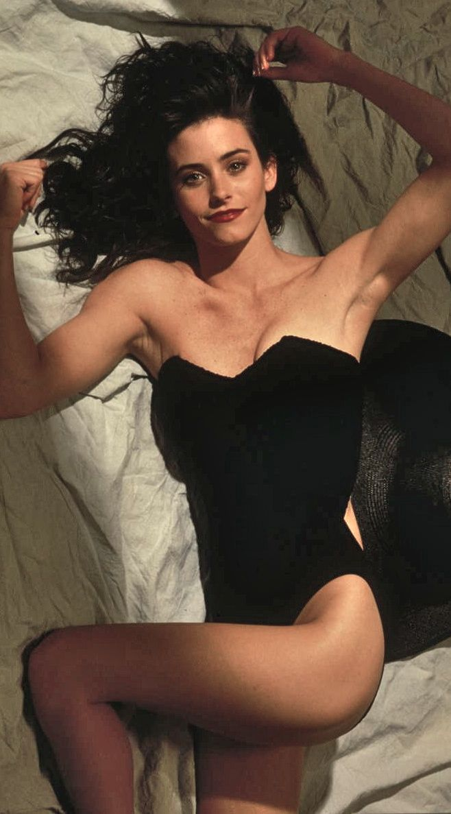 courteney cox in a hot photoshoot showing her sexy legs