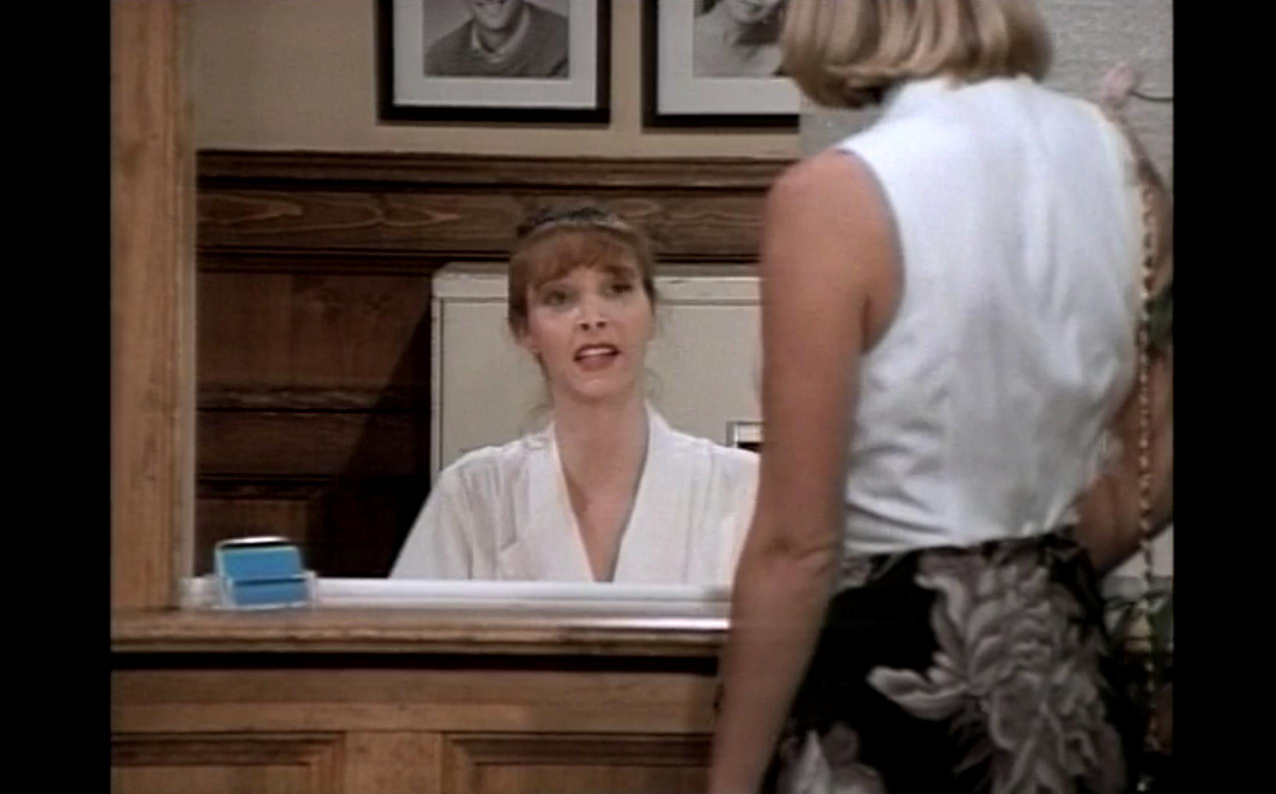 lisa kudrow in coach a sitcom from 1993