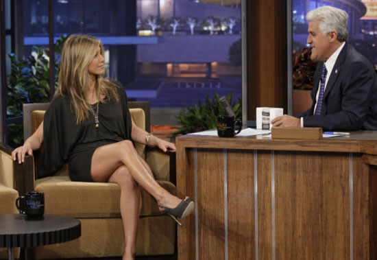 jennifer aniston legs show best pics