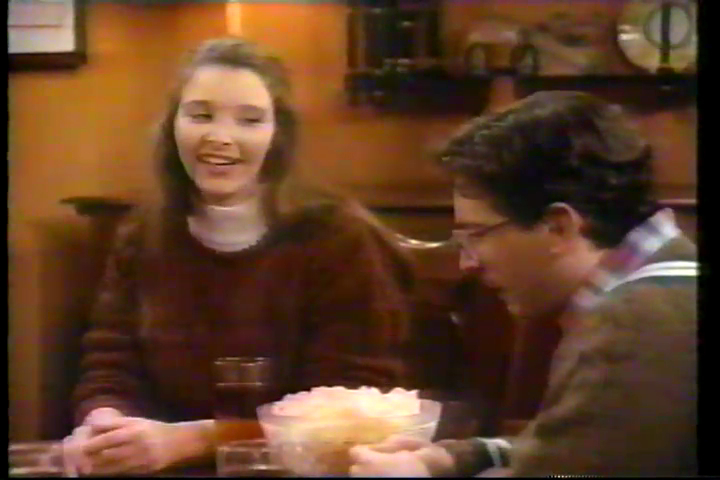 lisa kudrow as Kathy Fleisher in bob, a sitcom from 1992
