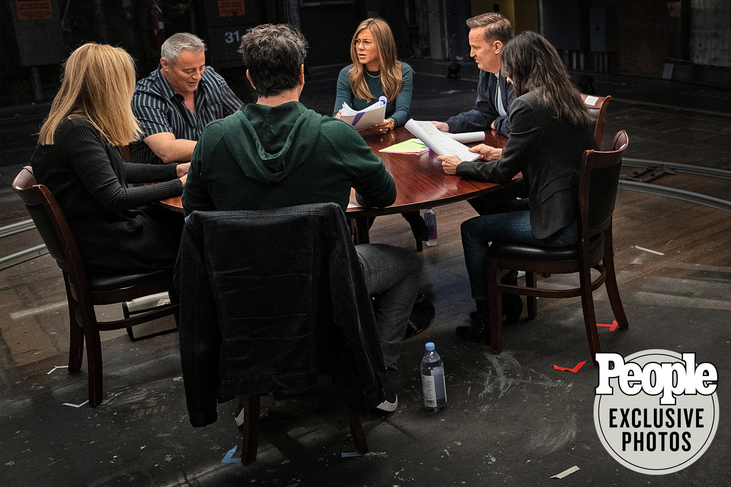 friends reunion table read fresh pics released online