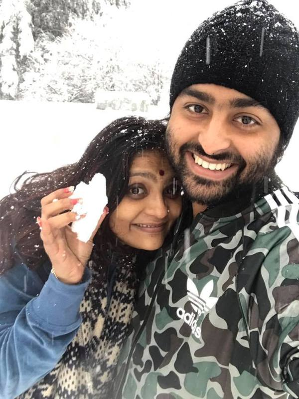 Arijit-Singh-with-his-wife-Koel