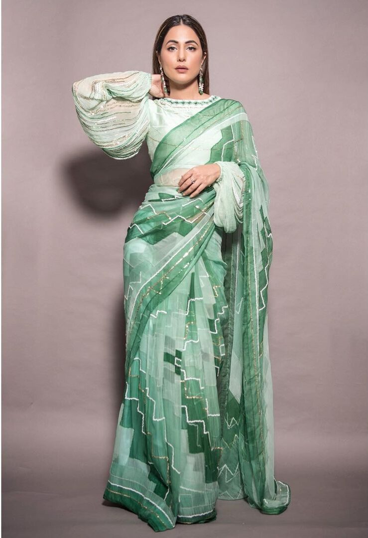 bold and traditional saree look to try