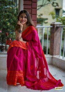 Saree poses to upload in instagram