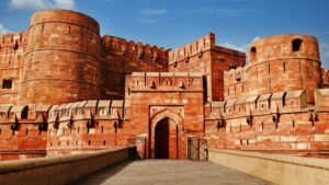 agra fort comes in between 10 monuments of india