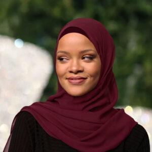 rihanna in hijab