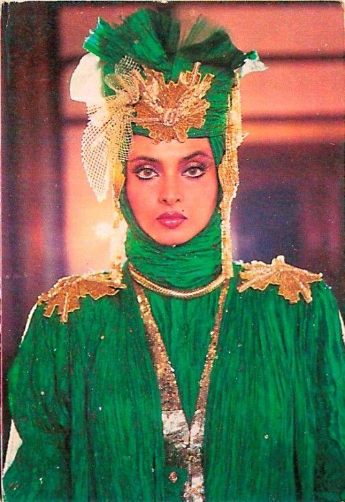 rekha in green