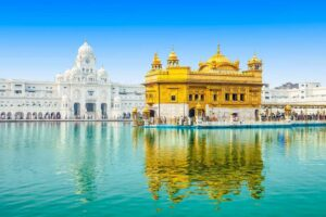 golden temple is one of the historical monuments of india
